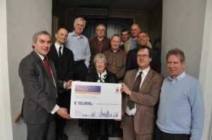 Happy donors and happy receivers of Euro 10.000